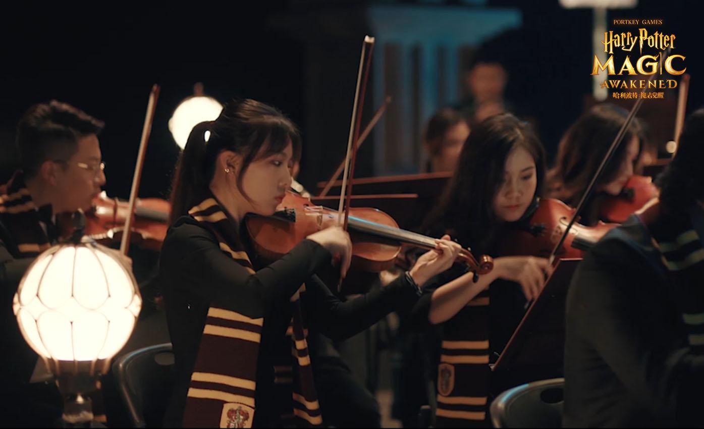 《哈利波特:魔法觉醒》霍格沃茨城堡在夜幕下矗立,神秘魔法空间缓缓开启5